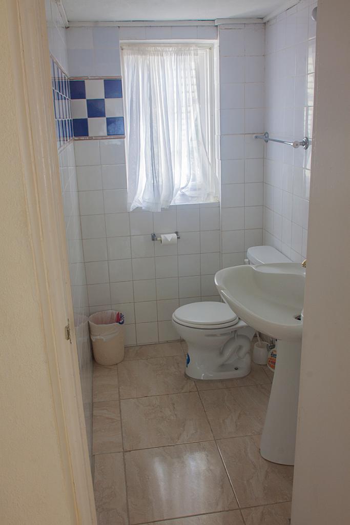 Bedroom Set Courts Jamaica