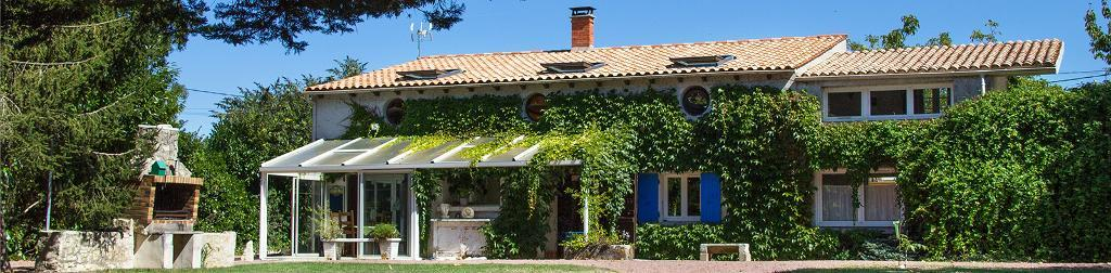 5 bedroom detached for sale on france la rochelle for Garage ad la rochelle