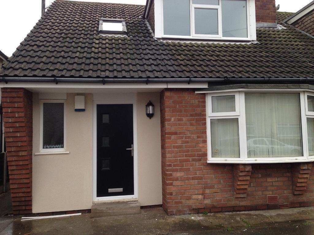 2 Bedroom Bungalow To Let on Manor Drive, Thornton Cleveleys